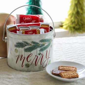 Very Merry Tin with Lotus Biscoff Cookies
